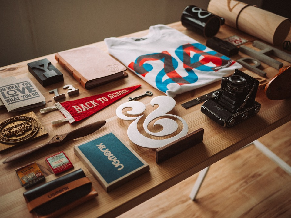 5 Tips For Organizing Photos and Memorabilia